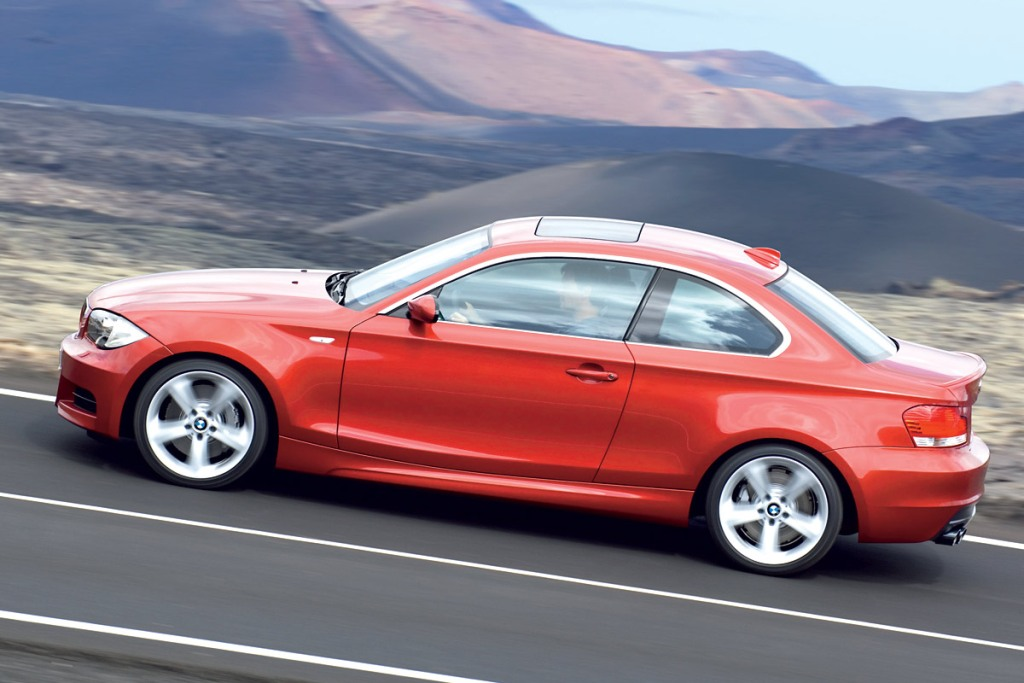 bmw-serie-1-coupe-lat.jpg