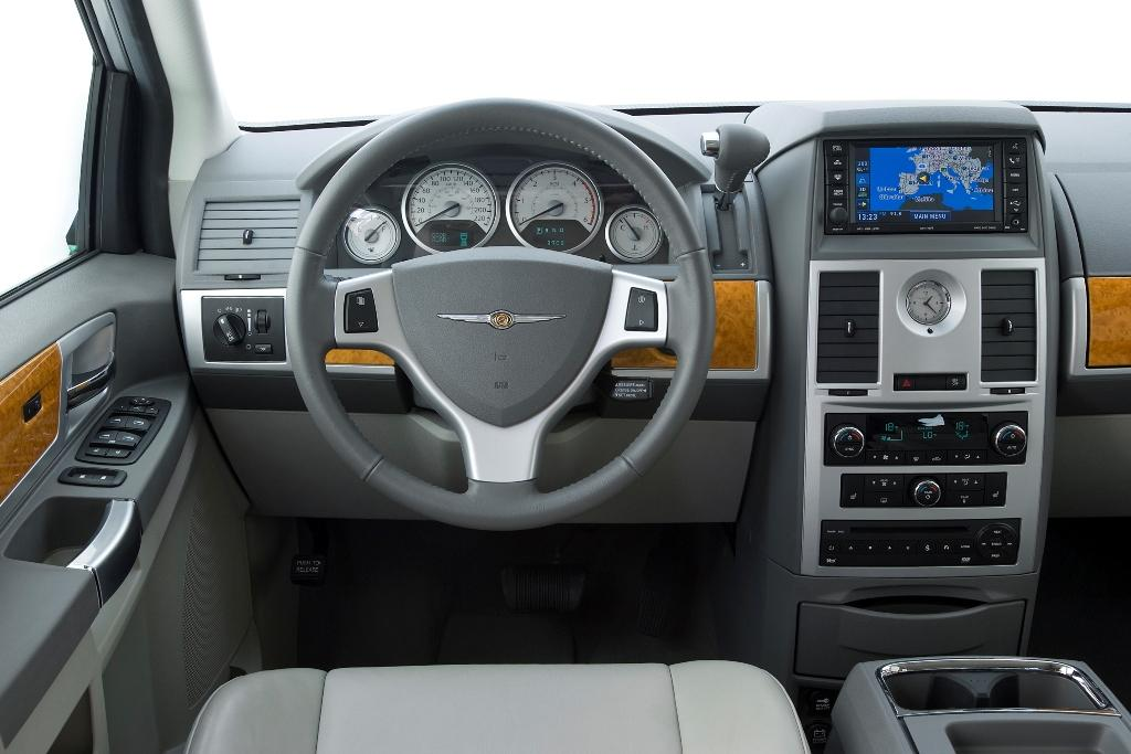 Chrysler Voyager 2013 - Pics about space