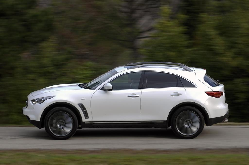 2010 Infiniti FX Limited Edition photo - 3