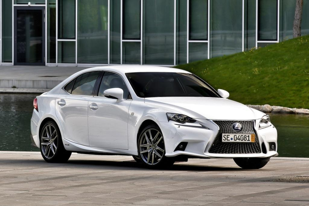 Asegurar LEXUS IS 200