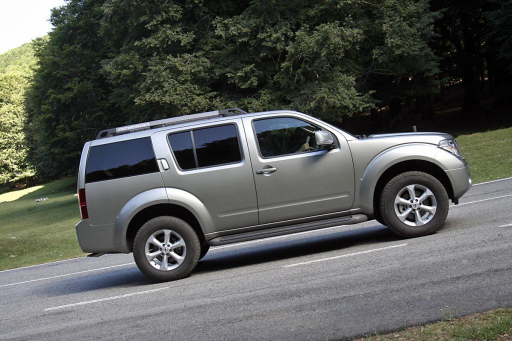 Nissan Pathfinder, lateral vehiculo, fotos coches