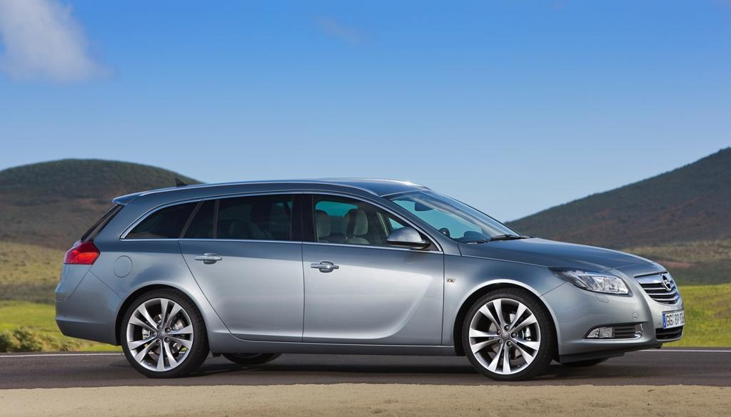 opel-insignia-sports-tourer-lateral-izquierdo-estatico.jpg