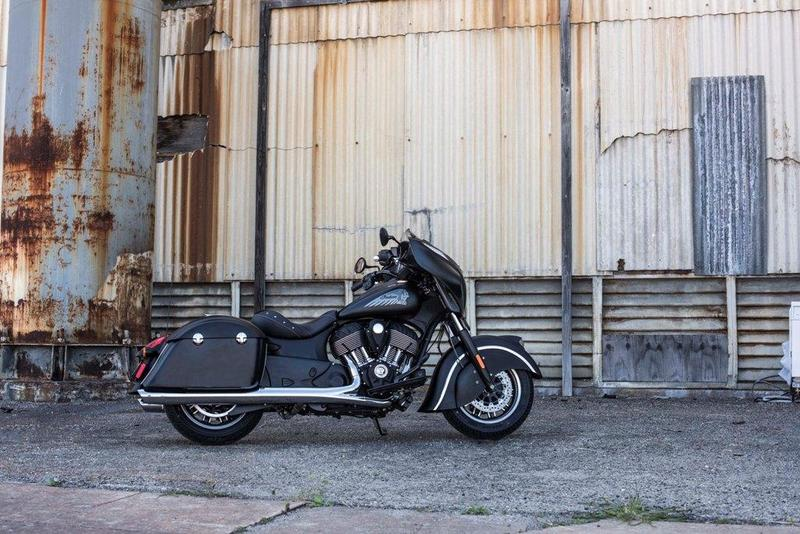 Foto Indian Chieftain Dark Horse 2016