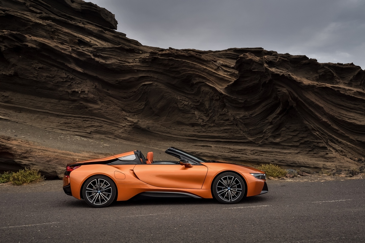 BMW i8 Roadster Lateral-1.2329268