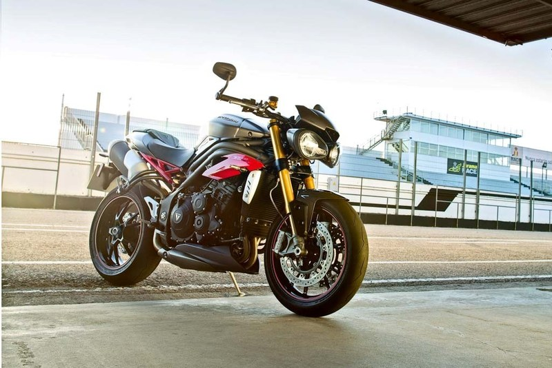 Triumph revela las nuevas Speed Triple S y Speed Triple R 2016