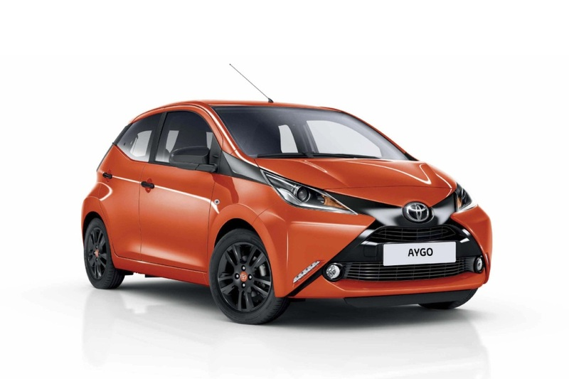 datos y ficha t cnica toyota aygo 3p 70 x play 69 cv 2015. Black Bedroom Furniture Sets. Home Design Ideas