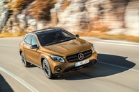 Fotos de coches Mercedes-Benz GLA
