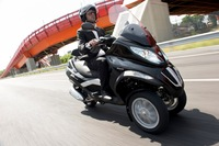 Fotos motos Piaggio MP3 300 Touring