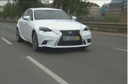 Video Lexus IS 300h F Sport Circulando