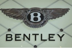 Vídeo Bentley Stand Ginebra 2015