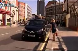 Video Nissan NV200 Taxi London