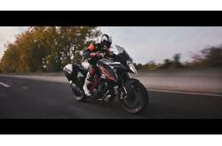 Vídeo KTM 1290 Super Duke GT 2016