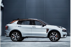 Fotos de coches LYNK & CO 01