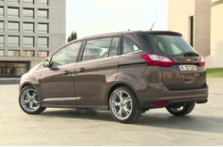 Vídeo Ford Grand C-MAX 2015 Exterior