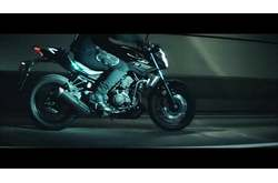 Vídeo Yamaha MT-03 2016