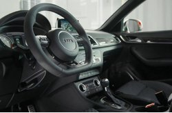 Vídeo Audi RS Q3 2015 Interior