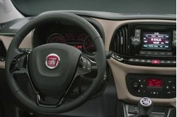 Vídeo Fiat Dobló 2015 Interior