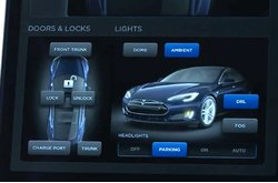 Video Tesla Model S Touchscreen