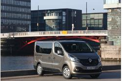 Fotos coches Renault  Renault  Trafic Passenger Edition Energy dCi 107 kW (145 CV) Twin Turbo