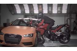 Vídeo Ducati Multistrada D-air Crash Test