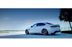 Jaguar XF Berlina 2016 Trailer