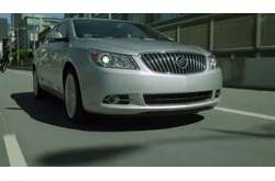 Video Buick Lacrosse Exterior