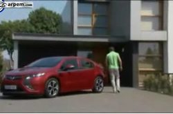 Video Opel Ampera Estacionado