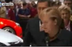Video Opel Frankfurt 2011 Angela Merkel