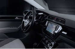Vídeo Volkswagen Touran 2016 Interior
