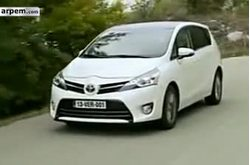 Video Toyota Verso Circulando