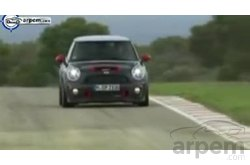 MINI John Cooper Works Coupe Pilotaje