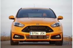 Fotos coches Ford  Ford  Focus Berlina ST+ 2.0 EcoBoost 184 kW (250 CV) Auto-Start-Stop