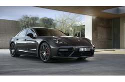 Vídeo Porsche Panamera Turbo 2017