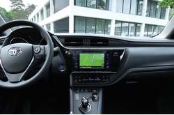 Vídeo Toyota Auris Hybrid 2015 Interior