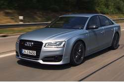 Vídeo Audi S8 plus 2016 Dinámico