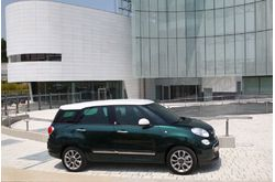 Fotos de coches Fiat 500L Living