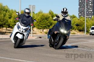 Comparativa <br> Yamaha TMAX 530 ABS &<br> SYM Maxsym 600i ABS