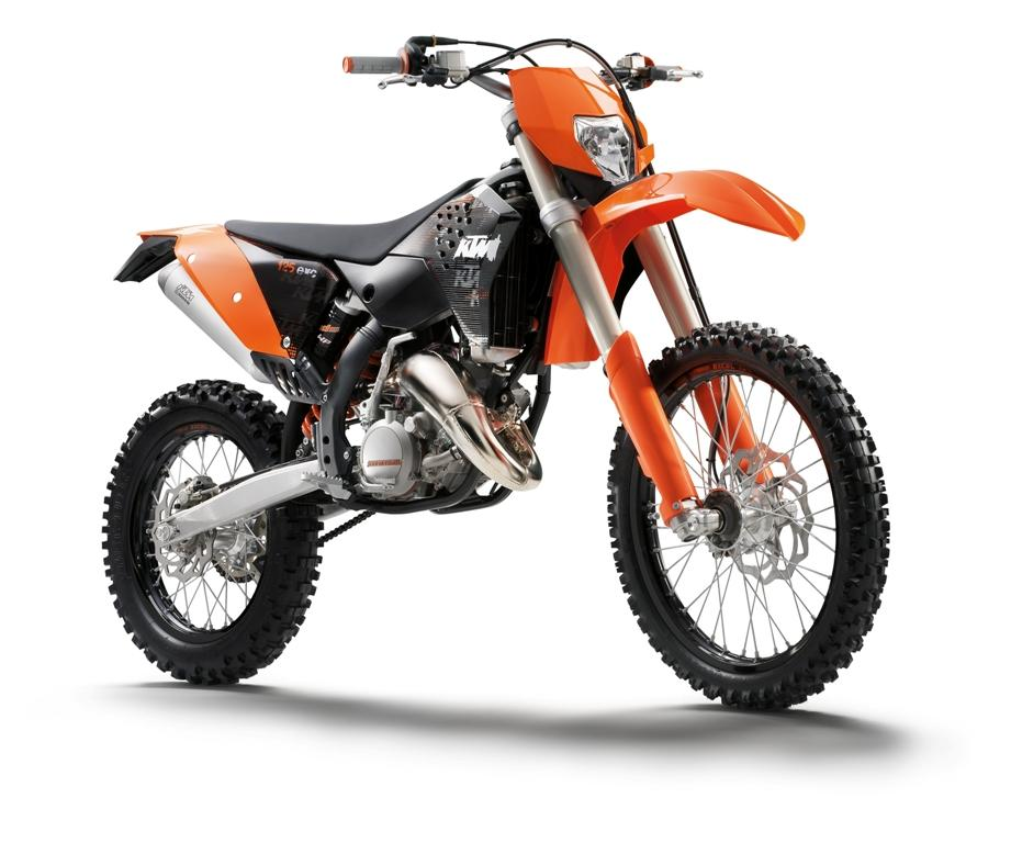 foto ktm 125 exc fotografia moto de enduro imagen moto. Black Bedroom Furniture Sets. Home Design Ideas