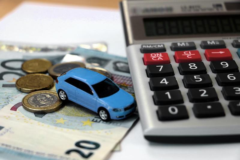 Cómo ahorrar de forma inteligente en tu seguro de coche o moto