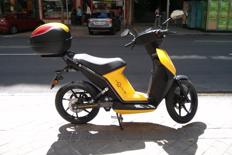Muving: motos de alquiler con un seguro a terceros que incluye los daños personales
