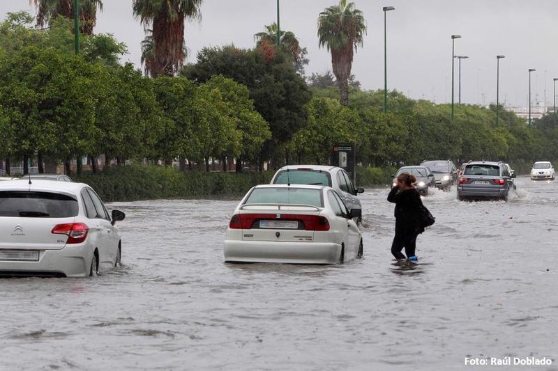 ¿Quién cubre los daños causados por una inundación?